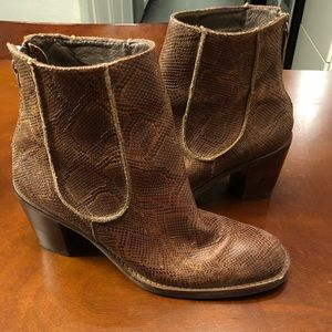Size 7 leather & snake embossed matisse boots